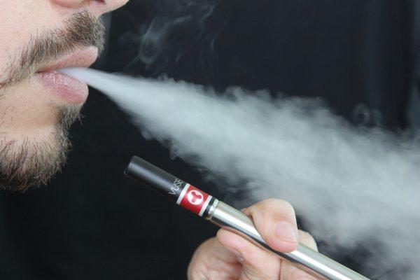 cigarette electronique avion